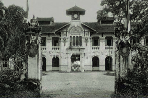 Những trường học trăm tuổi ở Sài Gòn