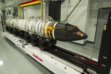 Mỹ phê chuẩn hợp đồng bán tên lửa giá khủng cho Nhật