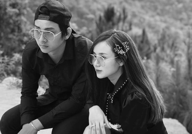 8 năm yêu nhau đầy sóng gió của Hoài Lâm và cháu nội Bảo Quốc