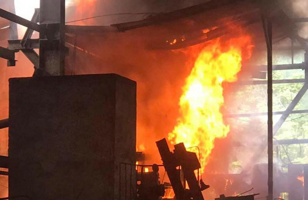 Cháy lớn lò luyện kim loại màu ở Nghệ An