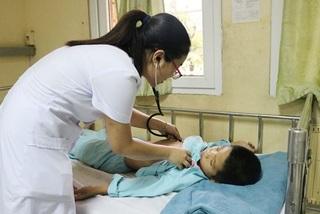 Nhiều trẻ nhập viện có biến chứng nguy hiểm do bị ong đốt