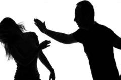 Đánh người chung sống như vợ chồng gây thương tích bị xử phạt thế nào?