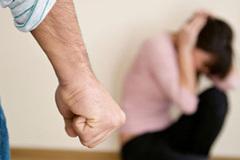 Hành vi đánh vợ bị xử lý thế nào?