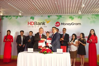 HDBank và MoneyGram hợp tác chi trả kiều hối tại nhà