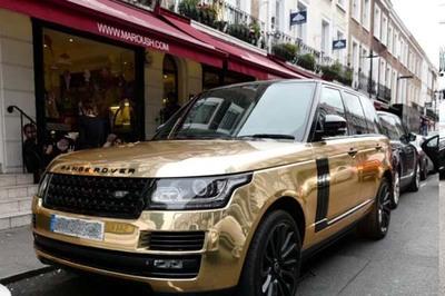 Loạt siêu xe triệu đô trên đường phố London