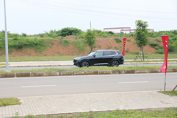 Thủ tướng Malaysia lái thử và hết lời khen ngợi xe VinFast