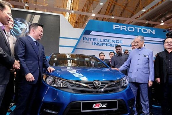 Thủ tướng Malaysia đặt tham vọng phát triển xe hơi quốc gia mới
