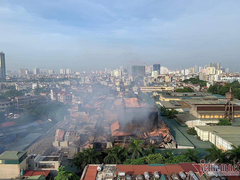 Kiểm tra thủy ngân sau cháy Rạng Đông, ĐH trấn an sinh viên