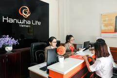 Hanwha Life Việt Nam chi trả gần 1,6 tỉ đồng quyền lợi bảo hiểm cho khách hàng