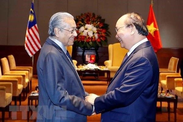 VN Party leader-President receives Malaysian Prime Minister