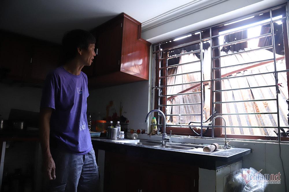 Ti vi, tủ lạnh hóa tro trong nhà tiền tỷ cạnh công ty phích nước Rạng Đông