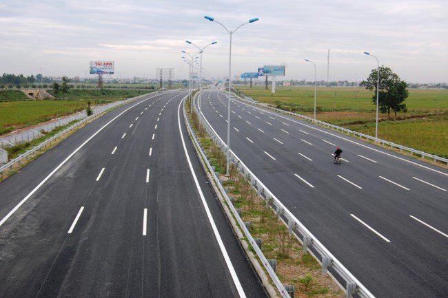 Lý do Bộ GTVT tạm dừng khởi công cao tốc Bắc - Nam