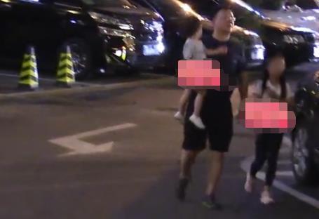 Triệu Vy bị đồn bí mật có con trai với chồng đại gia