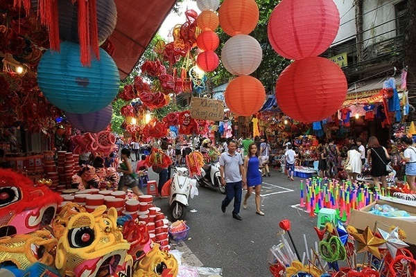 Hanoi to ban some streets to hold Full Moon Festival