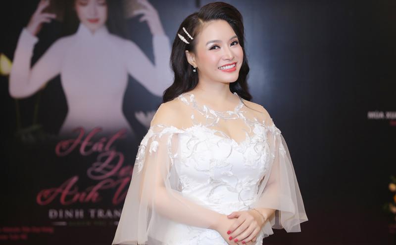 Đinh Trang: Làm việc với nhạc sĩ Trần Mạnh Hùng tôi 'nát' cả đầu