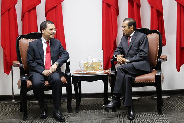 Bộ trưởng TT-TT,Nguyễn Mạnh Hùng