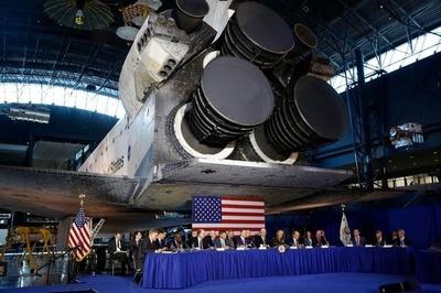 Lo ngại Nga-Trung, Mỹ vừa ra mắt bộ tư lệnh vũ trụ