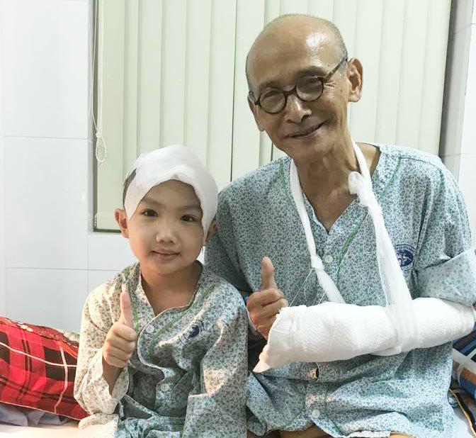Nhà văn Nguyễn Văn Thọ phải cấp cứu vì cưa điện cắt đứt nửa bàn tay