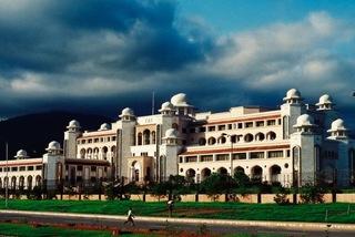 Văn phòng Thủ tướng Pakistan nợ đầm đìa tiền điện