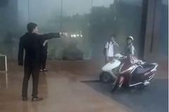 Bảo vệ khách sạn 5 sao ở Hà Nội không cho người dân trú mưa, quản lý lên tiếng