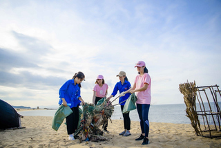 Sao Việt kêu gọi giới trẻ 'rạng rỡ cùng thiên nhiên, thả tim cho biển lớn'