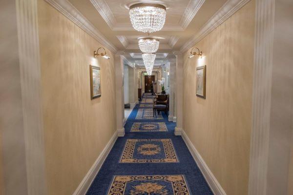 Vung 400 triệu ở phòng tổng thống thử cảm giác 'sướng như tiên'