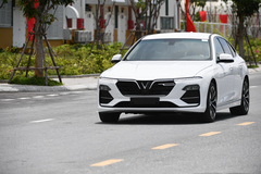VinFast tiếp tục ưu đãi giá ô tô Lux, Fadil