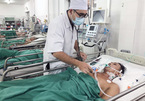 15 phút cứu người đàn ông có tá tràng chảy máu thành dòng