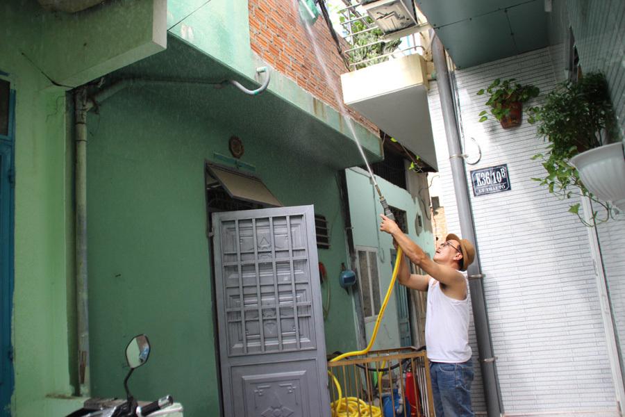Tự chế 'xe cứu hỏa', người đàn ông kể phút dập cháy 1 mình ở Đà Nẵng