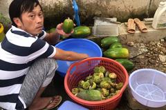 Hoài Linh sống như nông dân trong nhà thờ trăm tỷ
