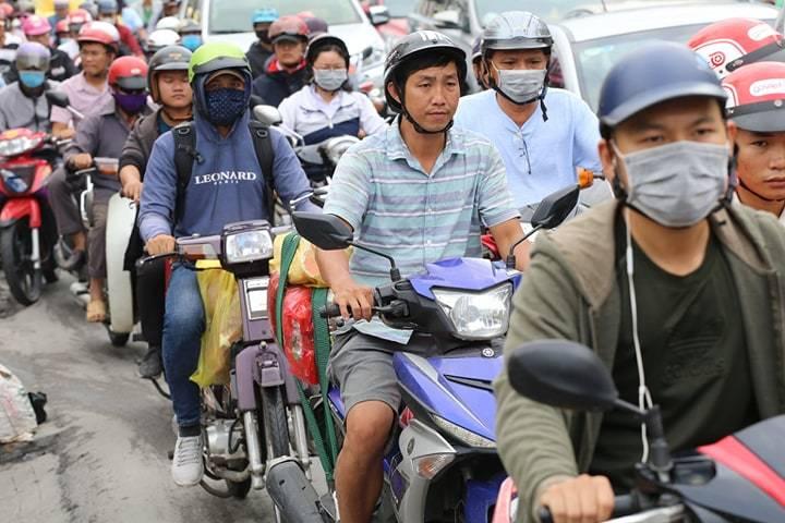 Nghỉ lễ 2/9, ngàn dân Sài Gòn ra bến xe đường kẹt nghẹt thở