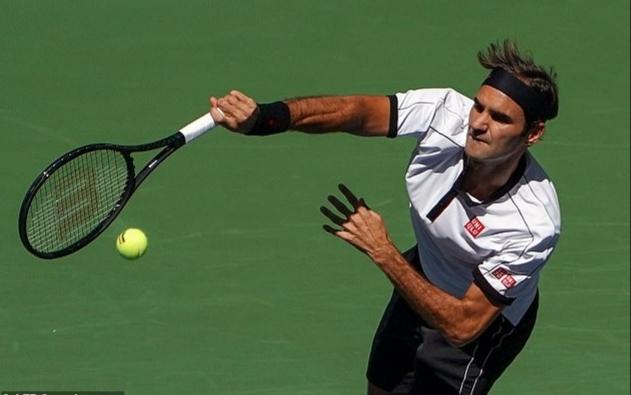 Federer 'tốc hành' vào vòng 4 US Open