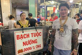 Ông chủ ở Sài Gòn đeo 100 lượng vàng trị giá 4 tỷchỉ để bán ốc