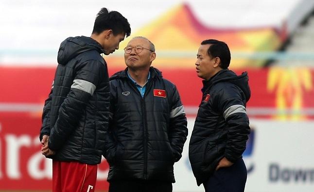 Thầy Park 'sốc' Văn Hậu sang Hà Lan, lo vắng mặt SEA Games