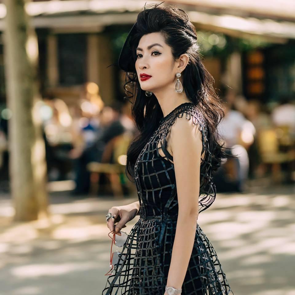 Nữ ca sĩ Việt từng bỏ xứ vì ảnh nóng giờ sống giàu sang trên đất Mỹ