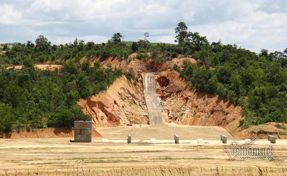 3 cặp vợ chồng vướng lao lý vì tiếp tay cán bộ trục lợi tiền dự án ở Đắk Lắk