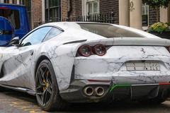 Siêu xe trang trí bằng 'cẩm thạch', thú chơi mới của giới siêu giàu