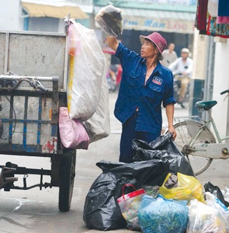 Sorting garbage at source still faces delays