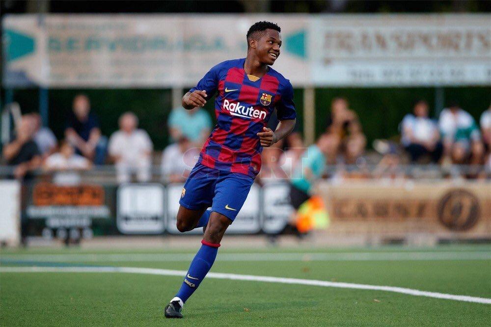 Thần đồng Ansu Fati ghi bàn cho Barca, một huyền thoại được sinh ra