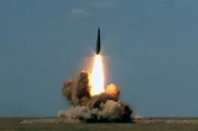 Xem Nga bắn tên lửa có thể mang đầu đạn hạt nhân phá hủy mục tiêu
