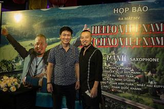 """Quốc Tuấn chúc mừng saxophone Lê Duy Mạnh ra MV """"Hello Việt Nam"""""""