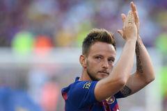 Juventus ký Rakitic giờ chót, Barca ngã ngũ tương lai Neymar