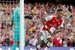 Arsenal quật cường giật lại một điểm từ tay Tottenham