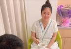 Lê Phương vẫn rạng ngời sau khi sinh con gái cho chồng kém 7 tuổi