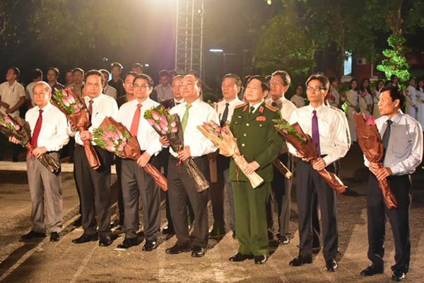 Lãnh đạo Đảng, Nhà nước dự cầu truyền hình về 50 năm thực hiện Di chúc của Bác