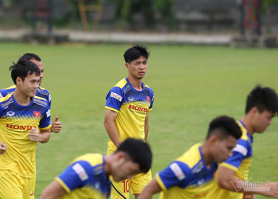 Công Phượng khoe tóc mới, 'đổi vía' đấu Thái Lan