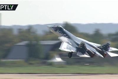 Video chiến đấu cơ Nga gầm rú tại triển lãm hàng không