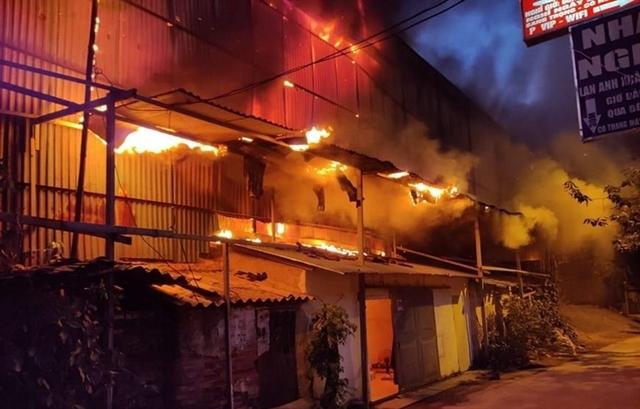 No serious contamination risks after Hanoi light bulb warehouse blaze