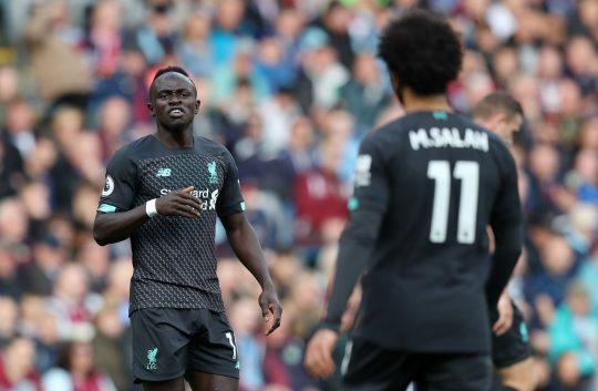 MU xác nhận Pogba bị loại, Klopp để Salah và Mane 'đấu' nhau
