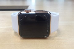 Apple miễn phí thay thế màn hình Apple Watch bị nứt vỡ